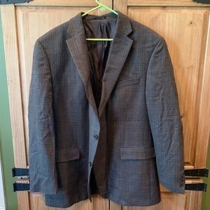 Brown plaid sport coat Size 48L